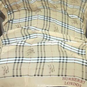 Vintage burberry London Tartan silk plaid scarf